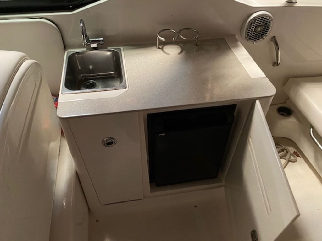 2010 Sea Ray boat for sale, model of the boat is 300 SLX & Image # 6 of 12