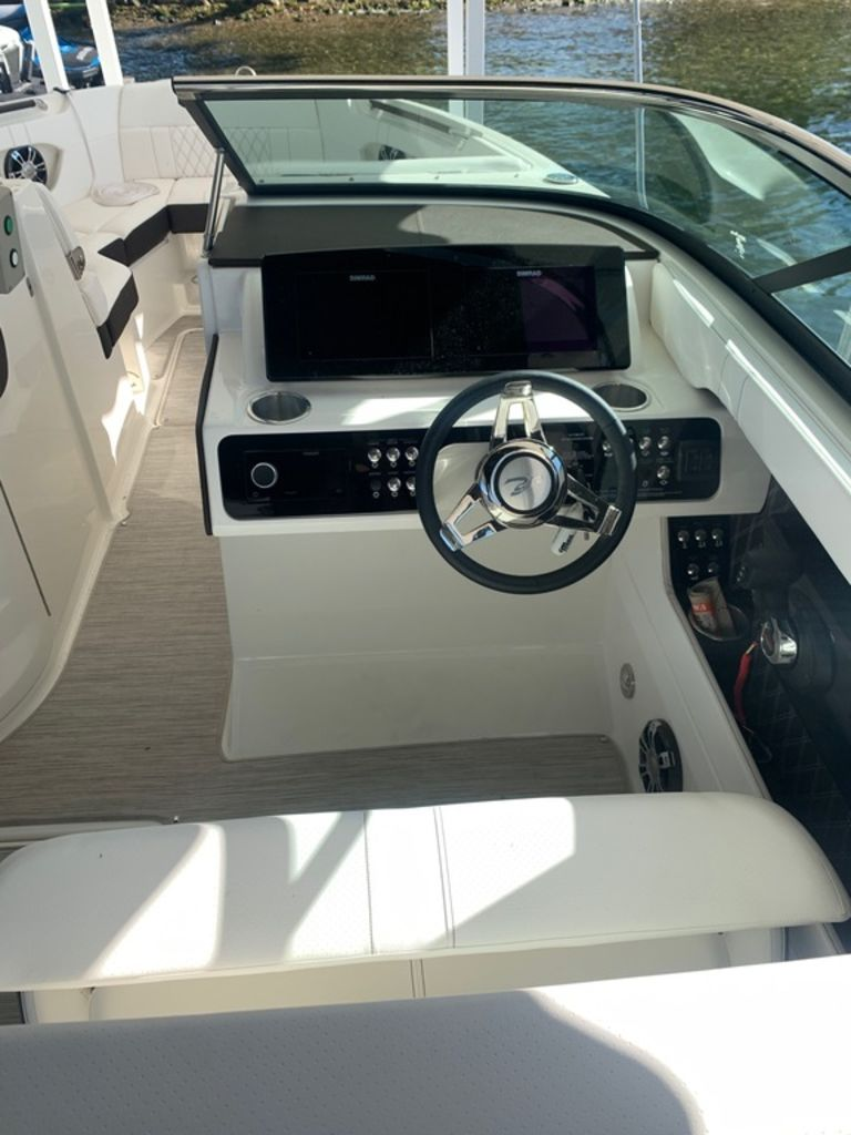 2020 Sea Ray boat for sale, model of the boat is SLX 280 & Image # 6 of 10