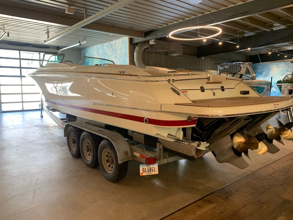 2020 Chris Craft boat for sale, model of the boat is Corsair 34 & Image # 4 of 32