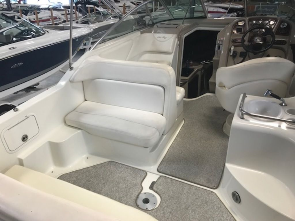 2004 Sea Ray boat for sale, model of the boat is 260 Sundancer & Image # 4 of 11