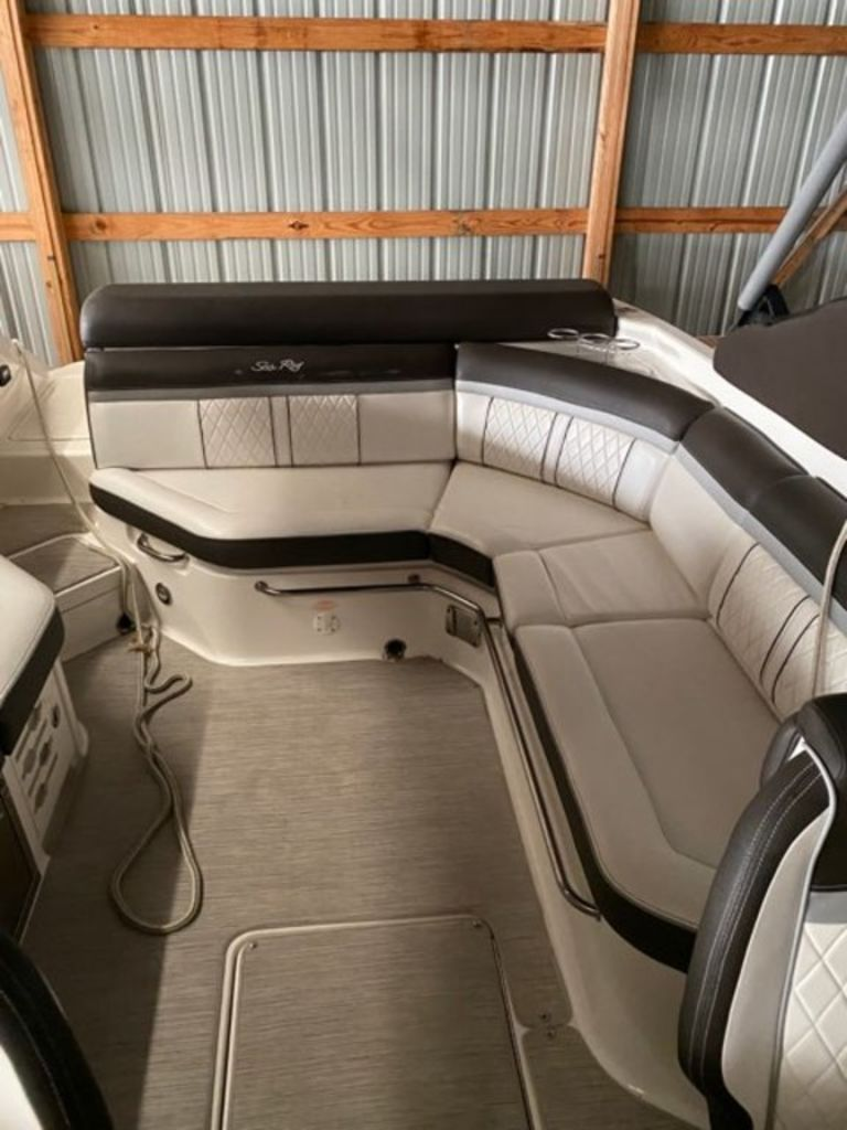 2017 Sea Ray boat for sale, model of the boat is SLX 280 & Image # 2 of 8