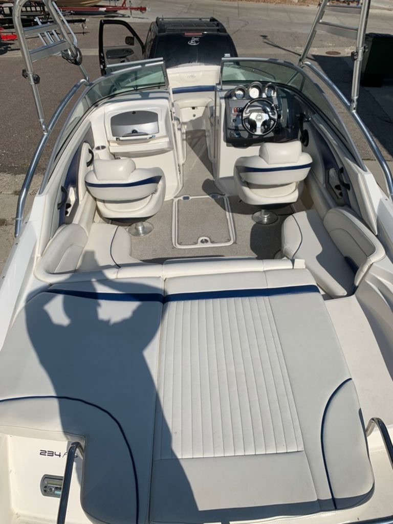 2007 Monterey boat for sale, model of the boat is 234 FS & Image # 6 of 14