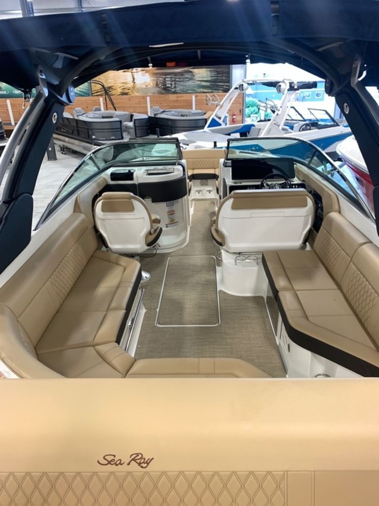 2020 Sea Ray boat for sale, model of the boat is SLX 280 & Image # 4 of 8