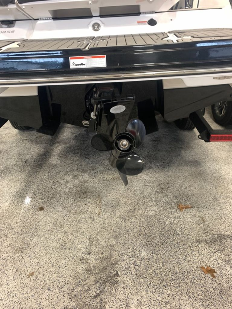 2019 Monterey boat for sale, model of the boat is 218SS & Image # 4 of 12