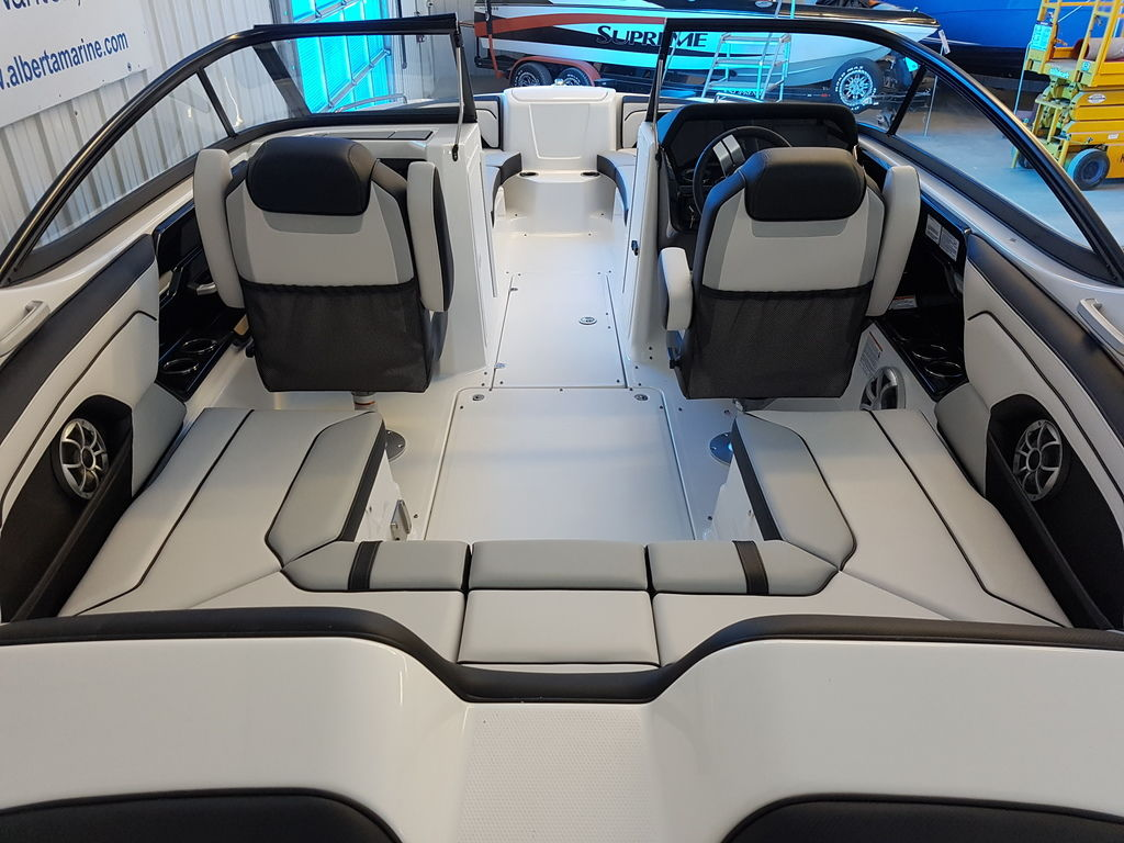 2019 Yamaha boat for sale, model of the boat is 212X & Image # 3 of 8