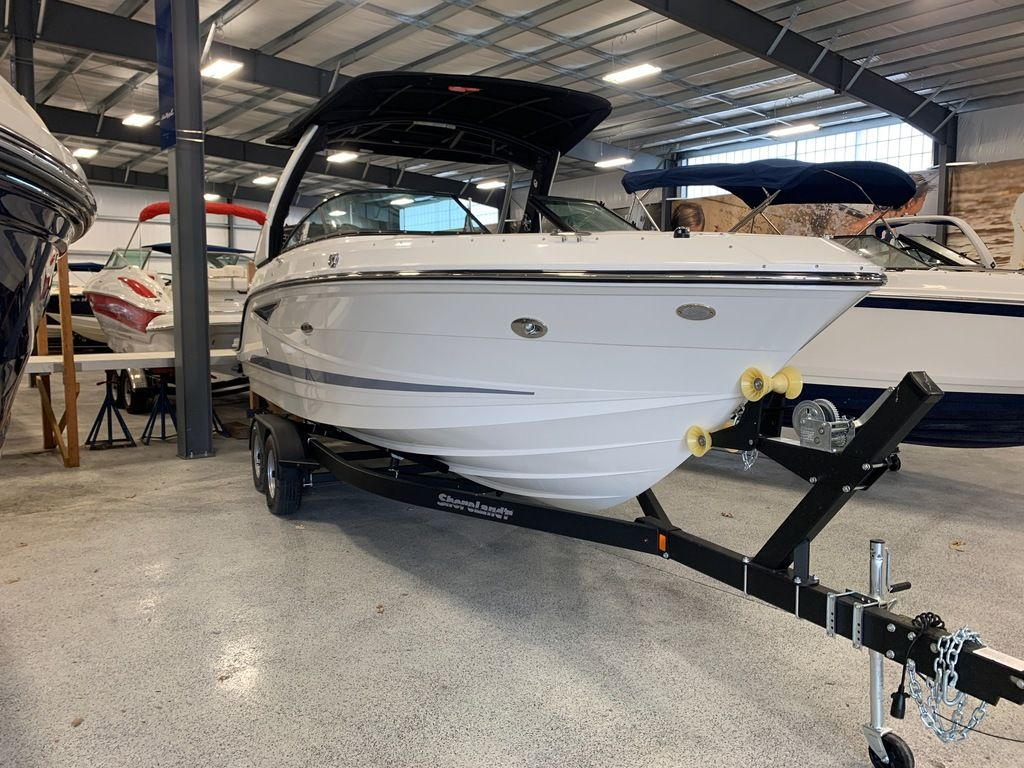 2020 Sea Ray boat for sale, model of the boat is SLX 250 & Image # 2 of 12