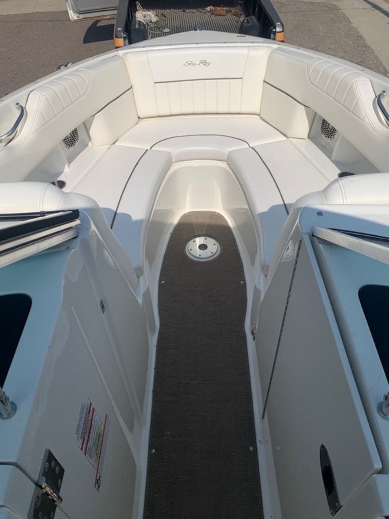 2010 Sea Ray boat for sale, model of the boat is 270 SLX & Image # 12 of 14
