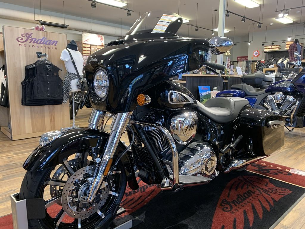 2020 Indian Motorcycle® Chieftain® Limited Thunder Black Pearl