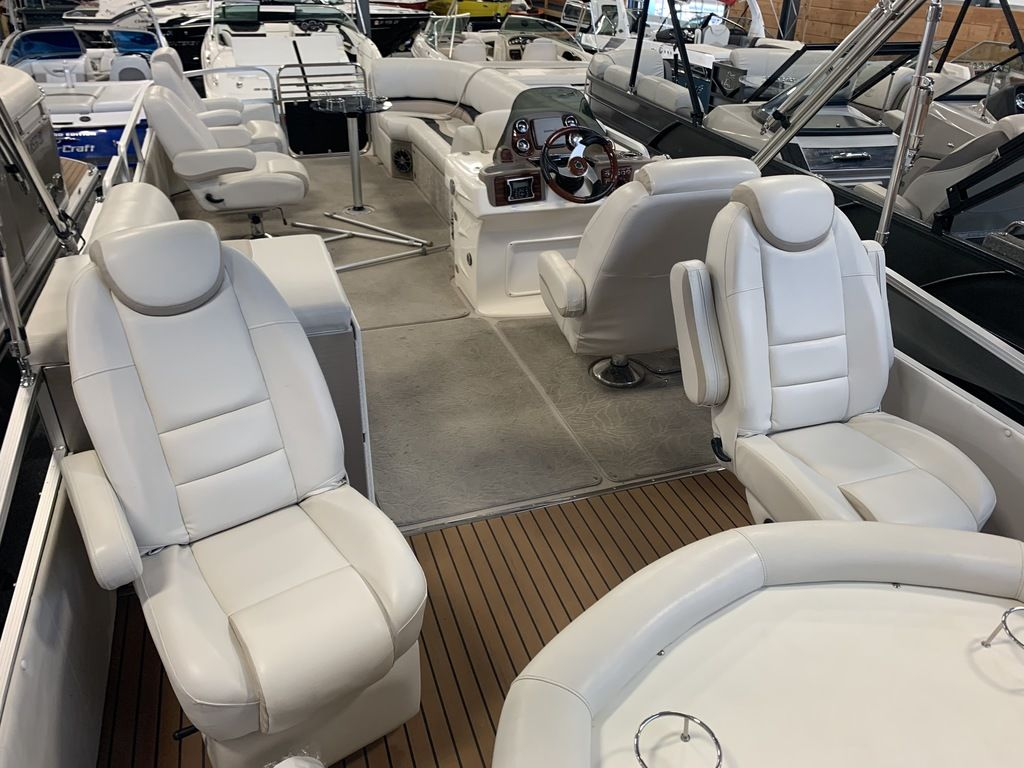 2014 Avalon boat for sale, model of the boat is Deco 25' Sandbar & Image # 4 of 10