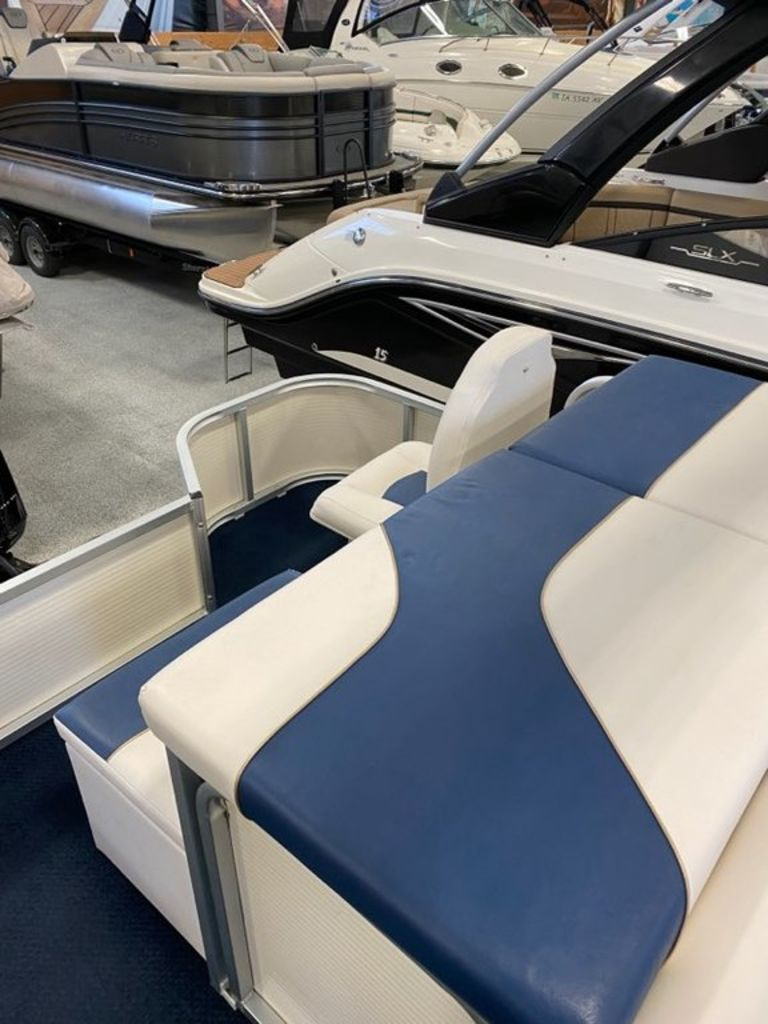 2008 Misty Harbor boat for sale, model of the boat is 2085CF & Image # 4 of 5