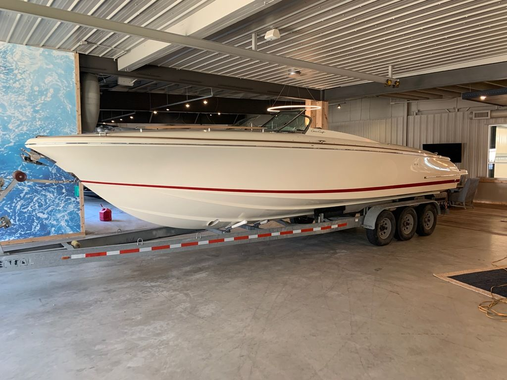 2020 Chris Craft boat for sale, model of the boat is Corsair 34 & Image # 1 of 32