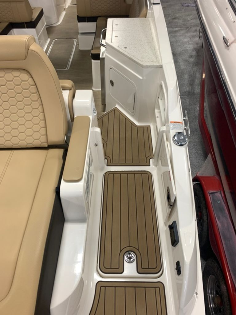 2020 Sea Ray boat for sale, model of the boat is SDX 290 & Image # 7 of 14