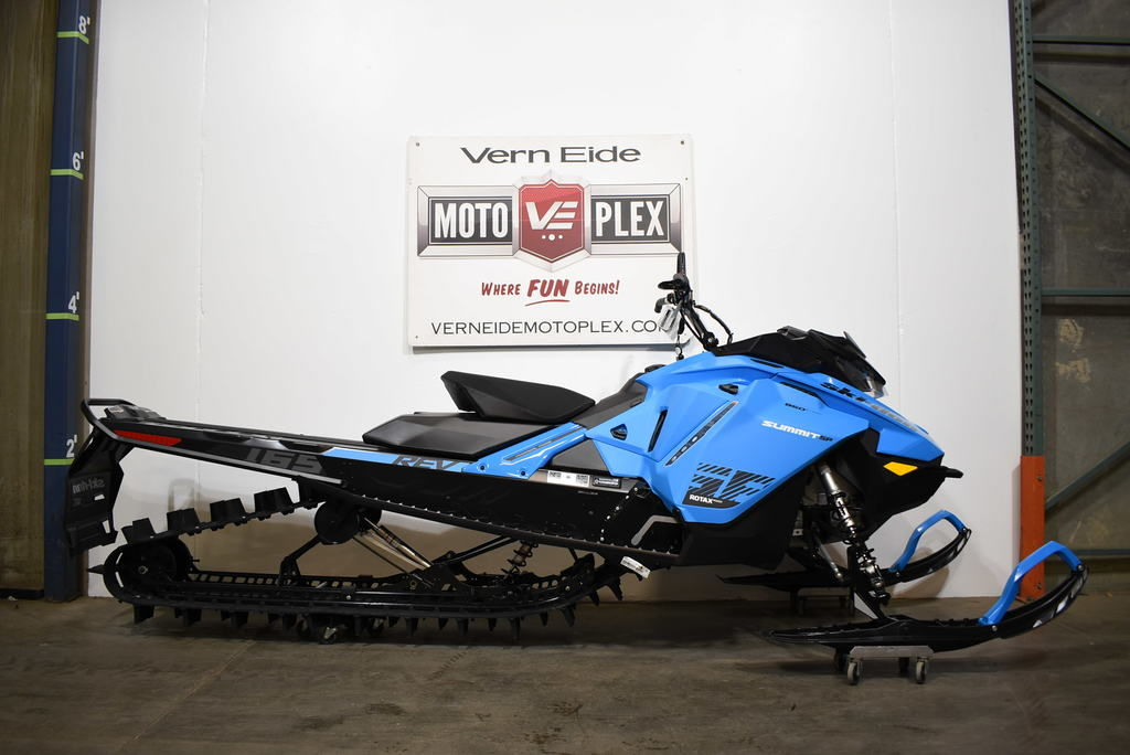 2020 Ski-Doo Summit® SP Rotax® 850R E-TEC® 165 SS PowderMax L. 3.0 Blue