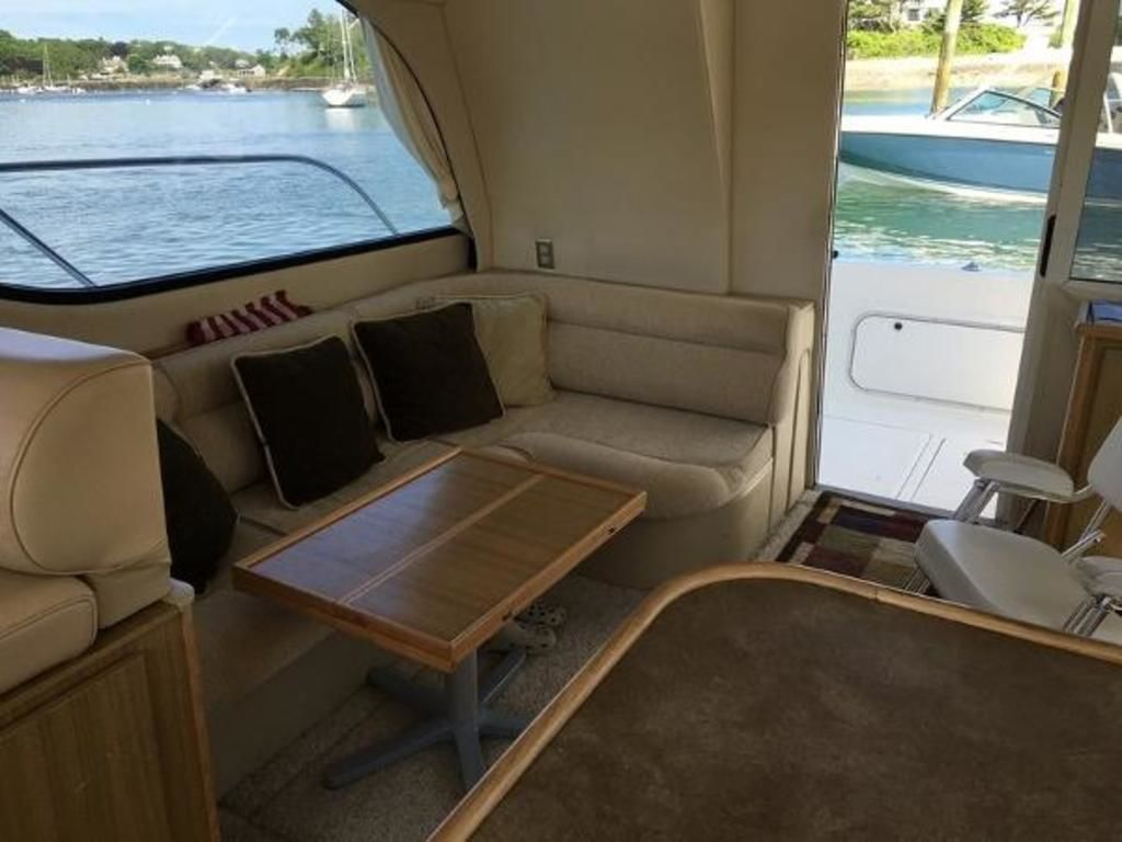 2001 Bayliner boat for sale, model of the boat is 3788 Command Bridge & Image # 7 of 7