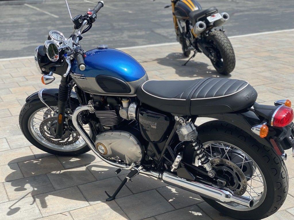 2022 triumph bonneville t120 cobalt blue/silver ice for sale in las vegas