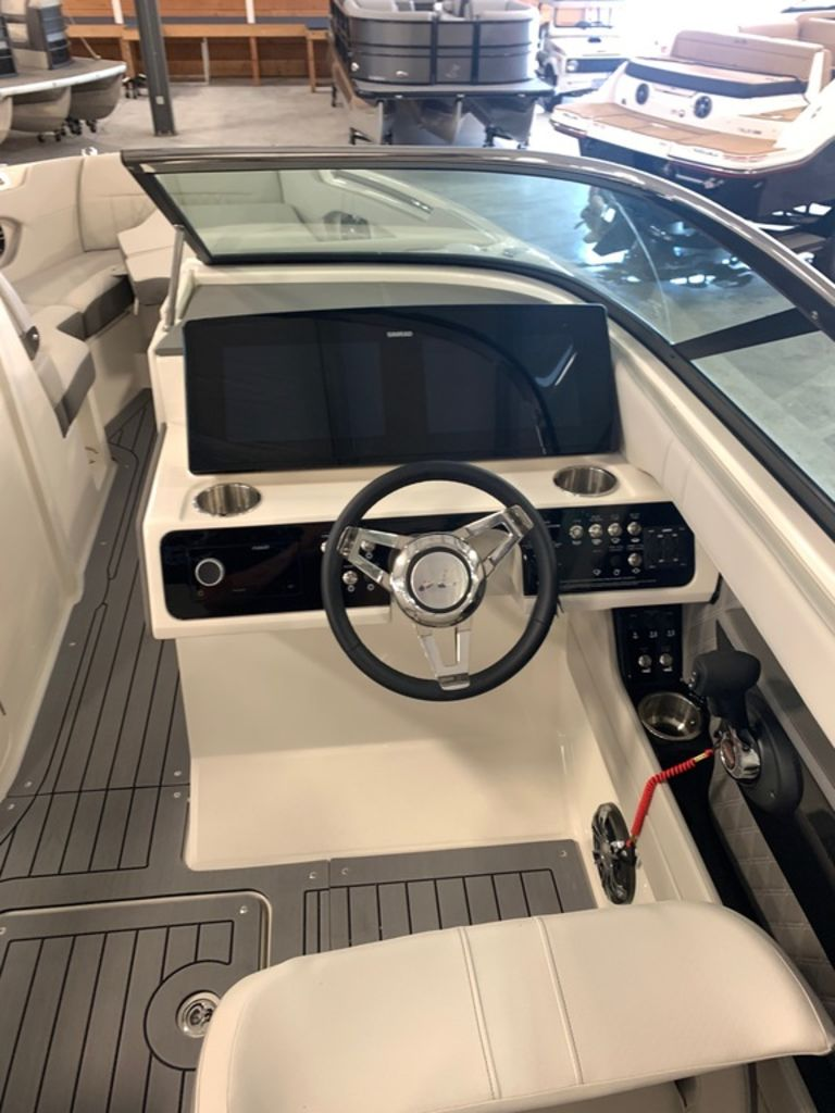 2020 Sea Ray boat for sale, model of the boat is SLX 250 & Image # 7 of 10