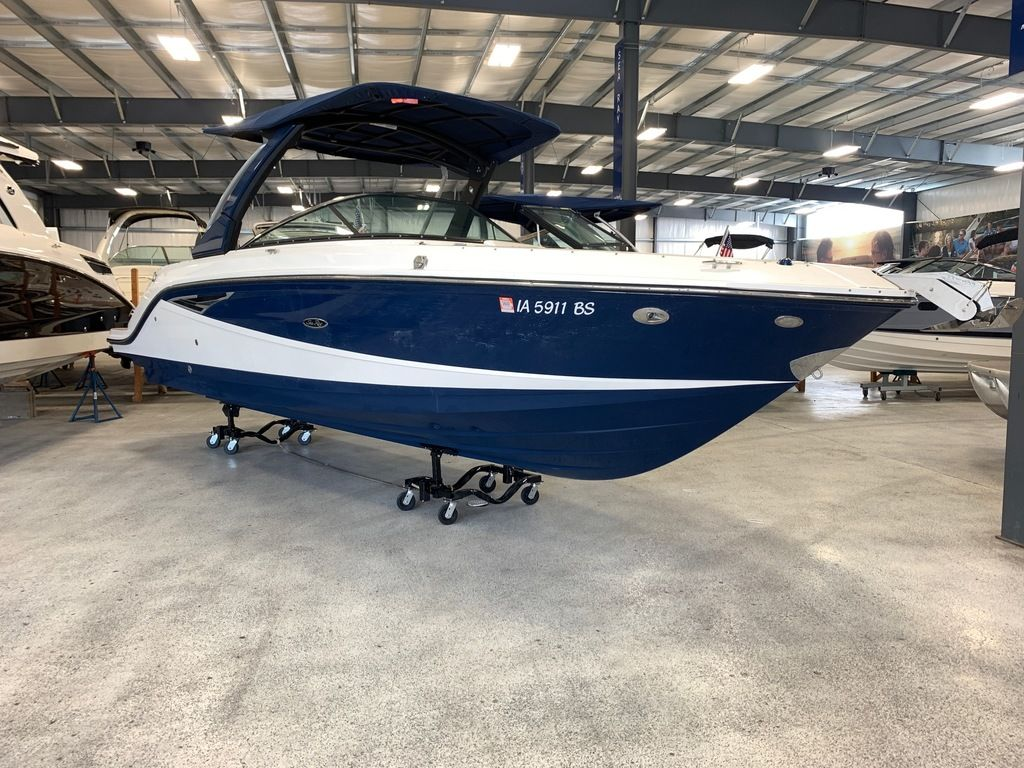 2018 Sea Ray boat for sale, model of the boat is SLX 280 & Image # 2 of 7