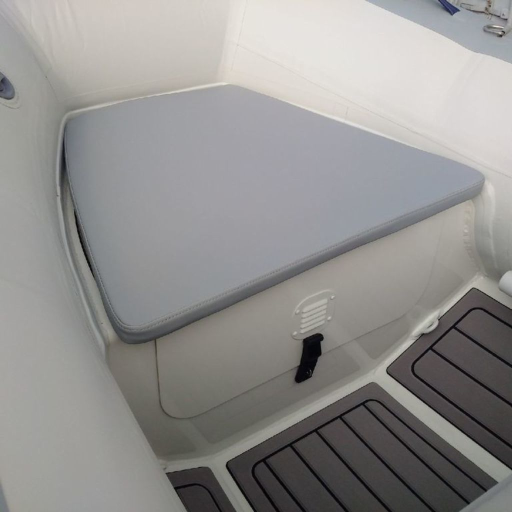 2020 Highfield boat for sale, model of the boat is CL 310 Bow Locker & Image # 5 of 10