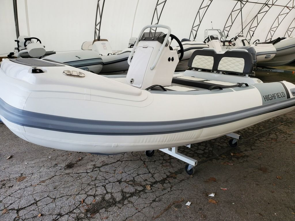 2021 Highfield boat for sale, model of the boat is Sport 330 Deluxe & Image # 3 of 4