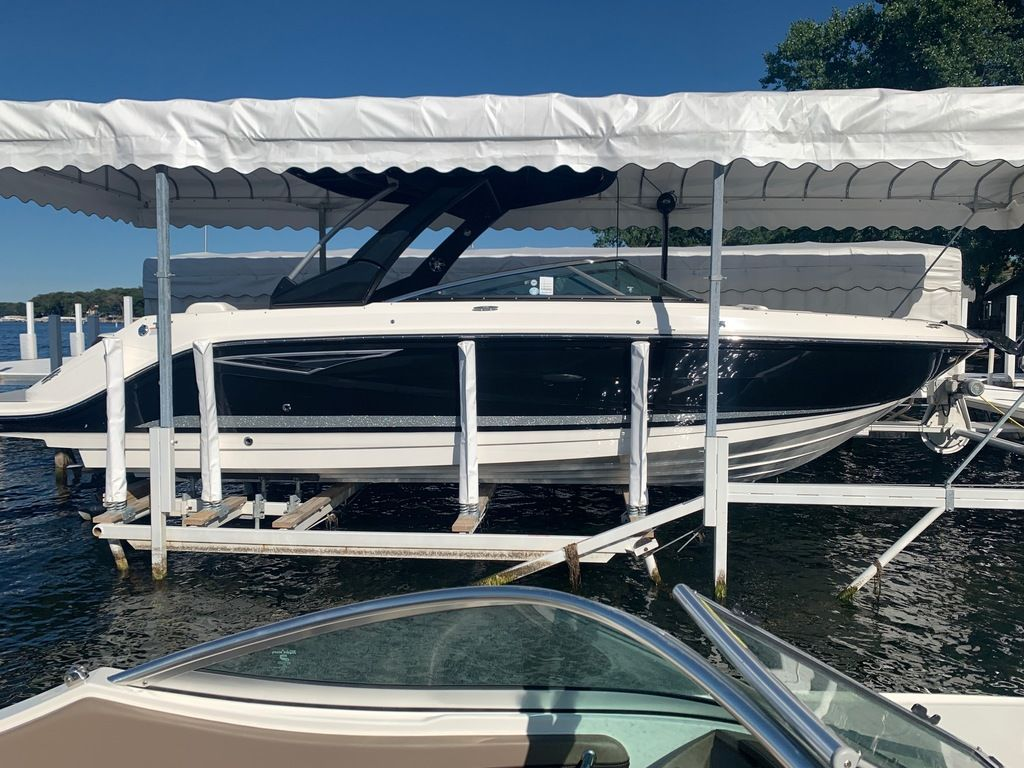 2020 Sea Ray boat for sale, model of the boat is SLX 280 & Image # 1 of 10