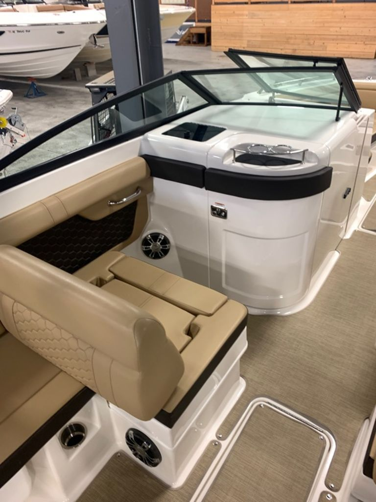 2020 Sea Ray boat for sale, model of the boat is SDX 290 & Image # 9 of 14