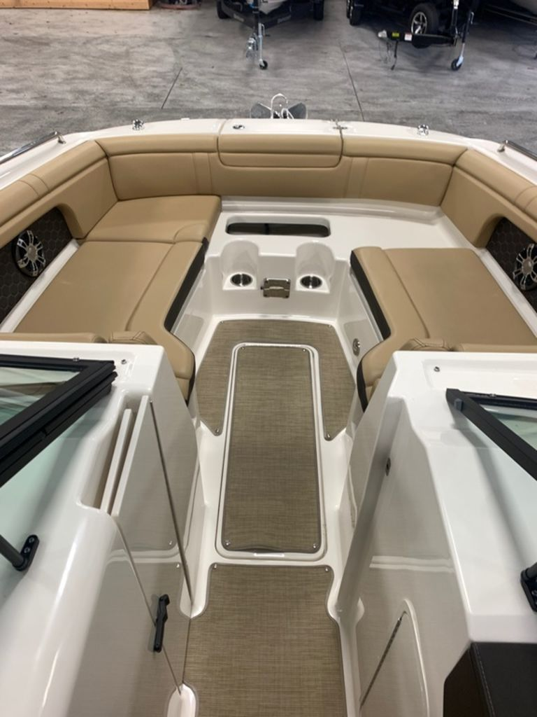 2020 Sea Ray boat for sale, model of the boat is SDX 290 & Image # 13 of 14
