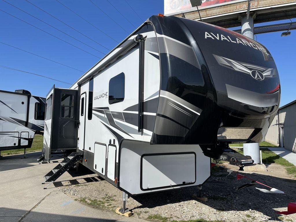 2020 Keystone RV Avalanche 379BH
