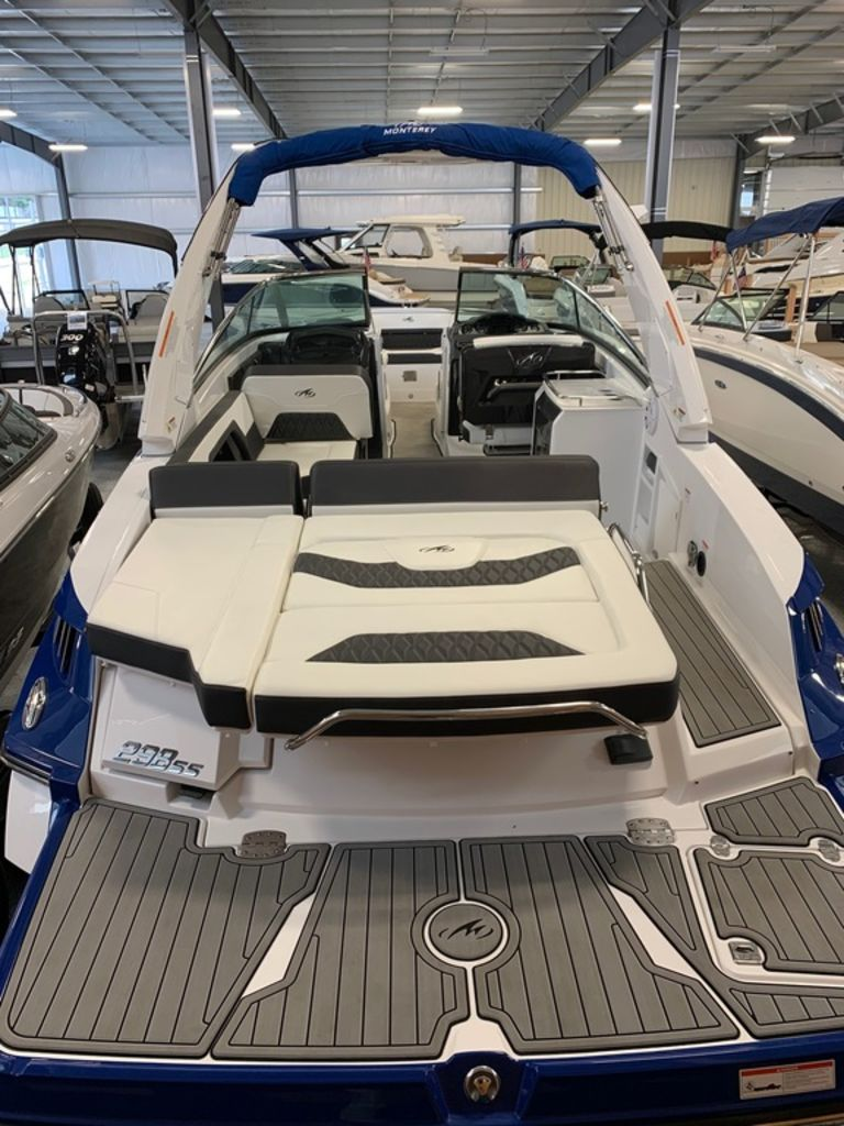 2019 Monterey boat for sale, model of the boat is 298SS & Image # 3 of 9