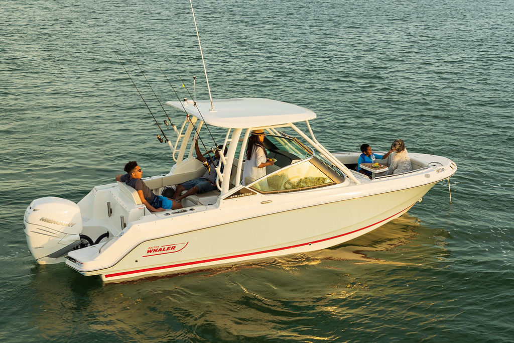 2021 Boston Whaler boat for sale, model of the boat is 240 Vantage & Image # 1 of 1