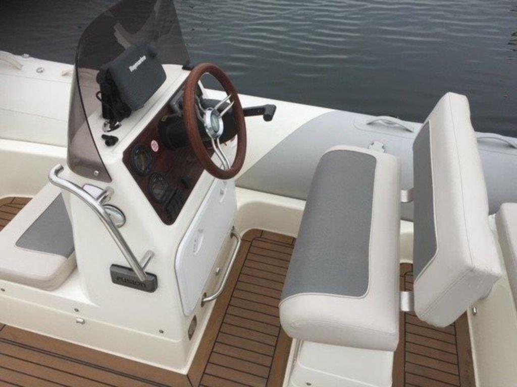 2012 Zodiac boat for sale, model of the boat is Medline 580 & Image # 2 of 3