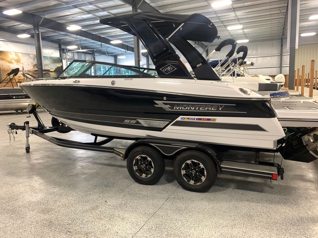 2020 Monterey boat for sale, model of the boat is 238SS & Image # 3 of 9
