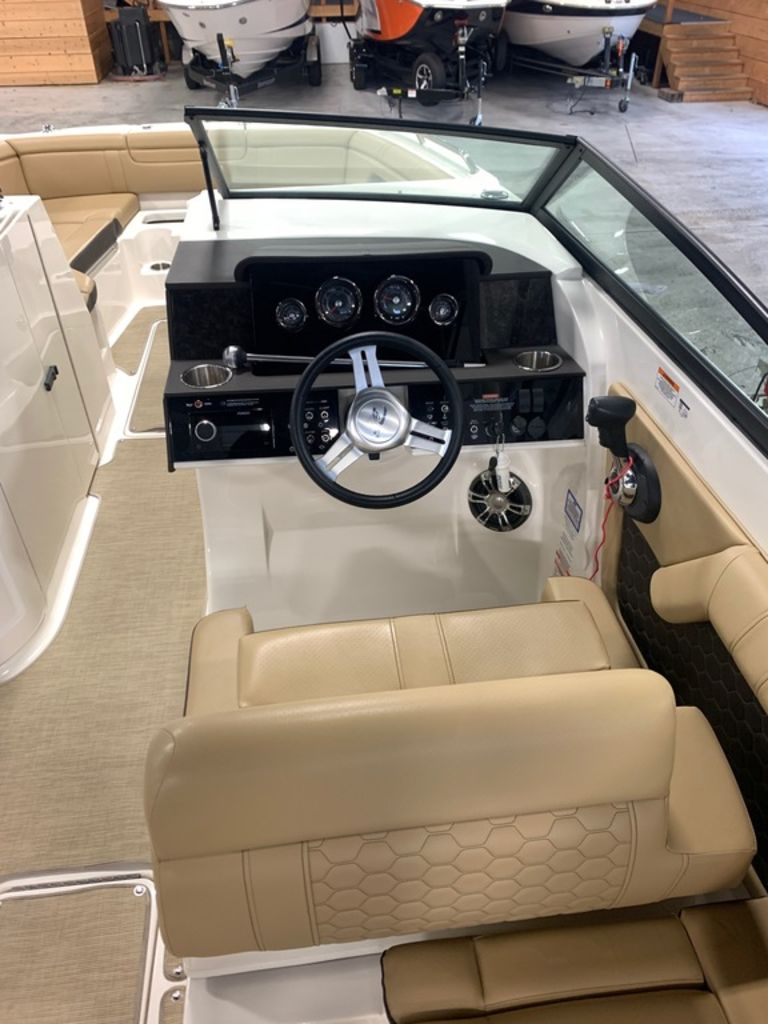 2020 Sea Ray boat for sale, model of the boat is SDX 290 & Image # 8 of 14