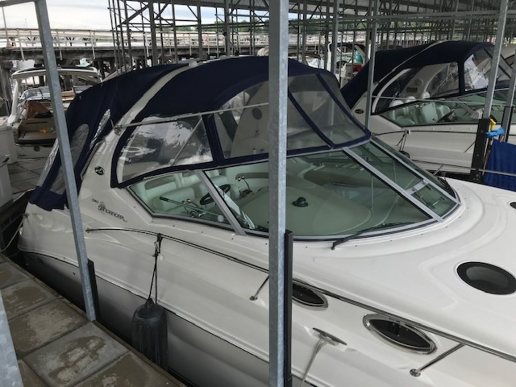 2005 Sea Ray boat for sale, model of the boat is 320 Sundancer & Image # 9 of 24