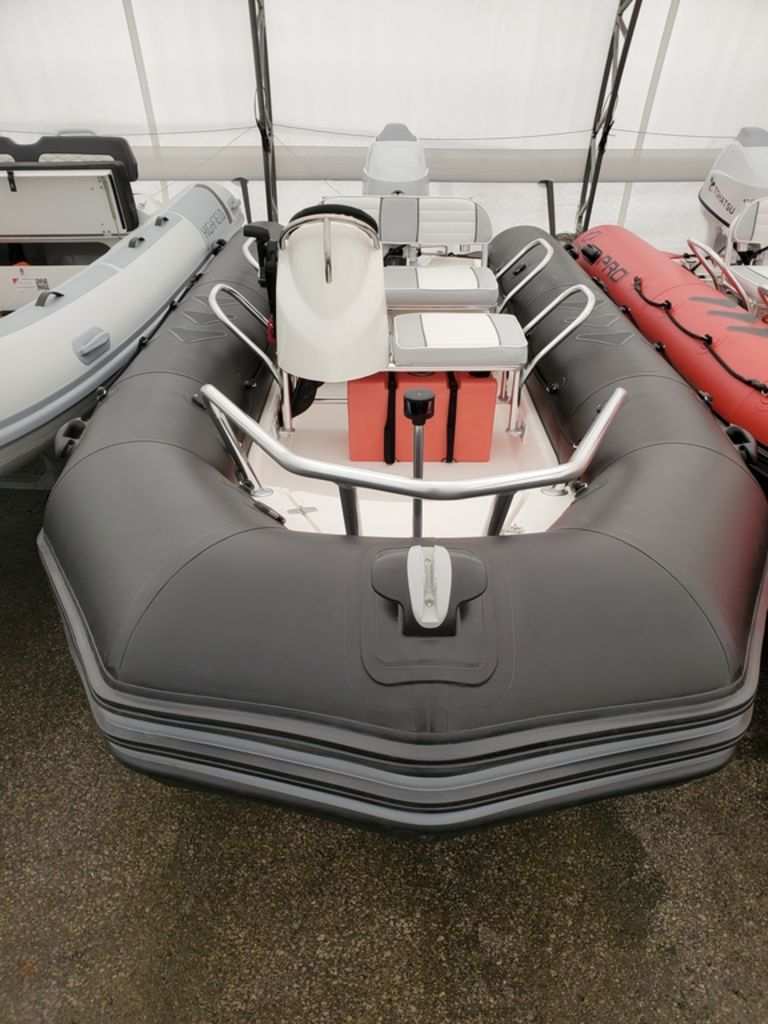 2021 Zodiac boat for sale, model of the boat is Bayrunner 500 & Image # 3 of 6