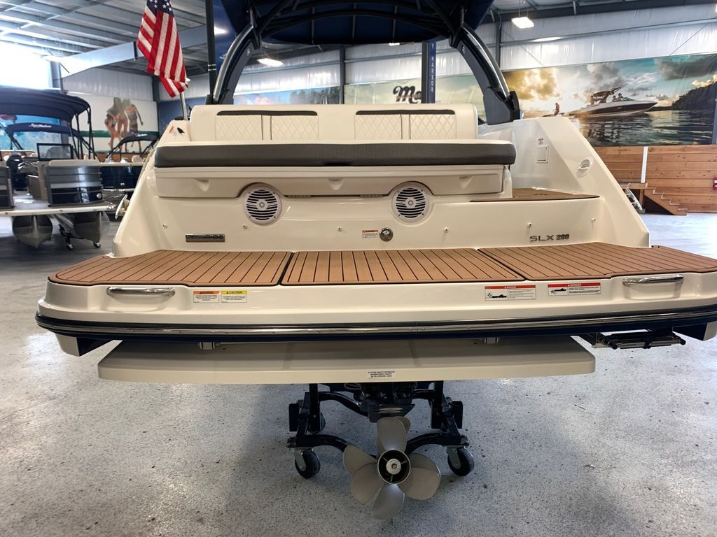 2018 Sea Ray boat for sale, model of the boat is SLX 280 & Image # 3 of 7