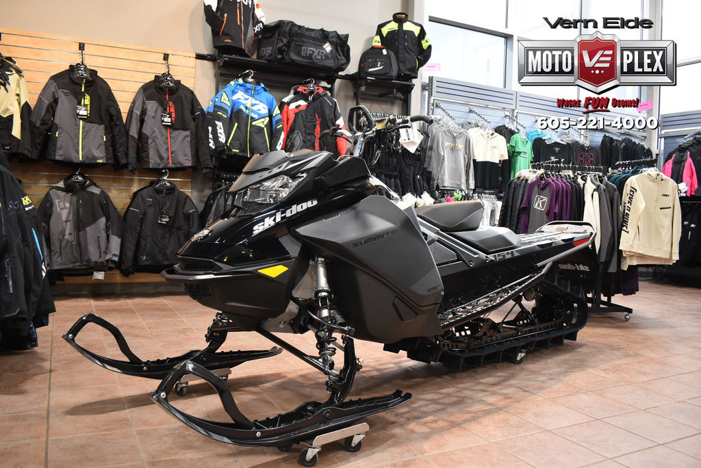 2021 Ski-Doo Summit® SP Rotax® 850 E-TEC® 154 MS PowderMax L. 3.0 Black