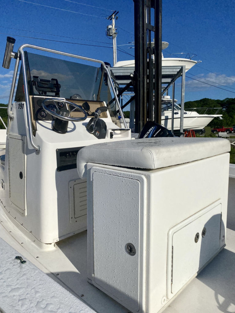 1999 Mako boat for sale, model of the boat is 191 Center Console & Image # 3 of 6