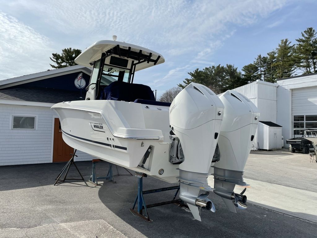 2021 Boston Whaler boat for sale, model of the boat is 250 Outrage & Image # 3 of 3