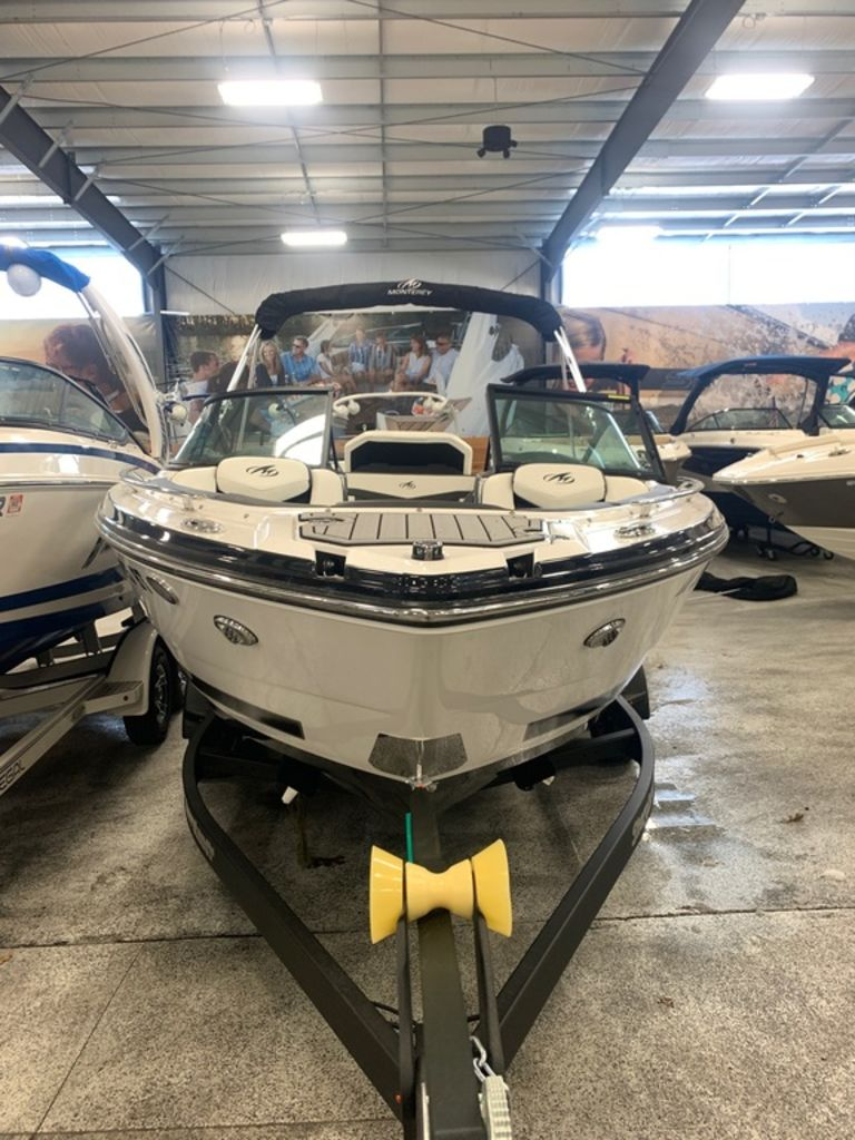 2019 Monterey boat for sale, model of the boat is 218SS & Image # 5 of 12