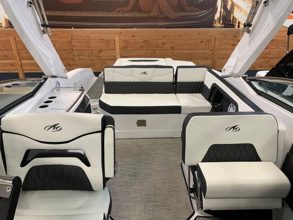 2019 Monterey boat for sale, model of the boat is 298SS & Image # 9 of 9