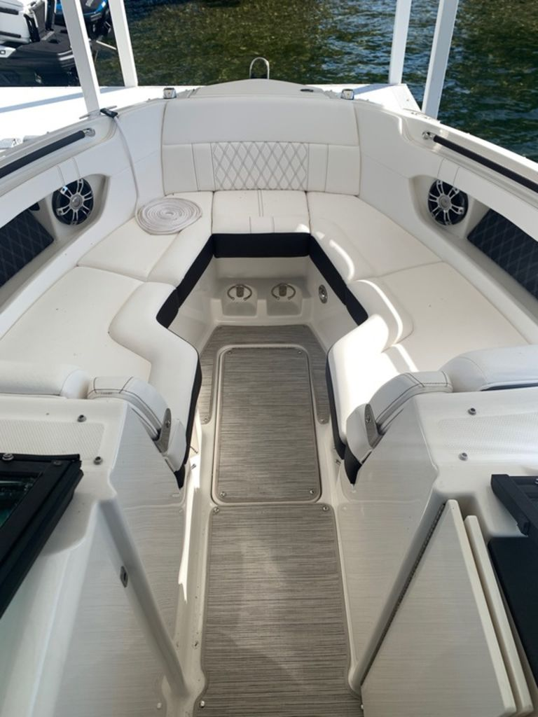 2020 Sea Ray boat for sale, model of the boat is SLX 280 & Image # 8 of 10