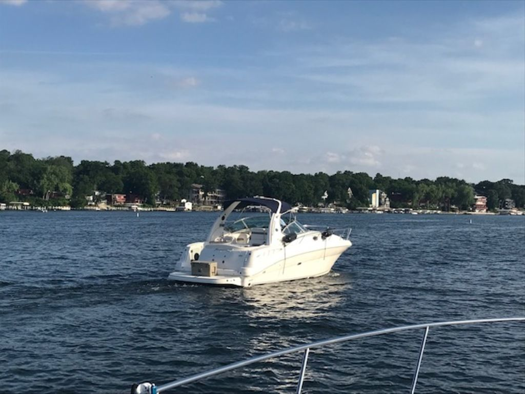 2005 Sea Ray boat for sale, model of the boat is 320 Sundancer & Image # 21 of 24