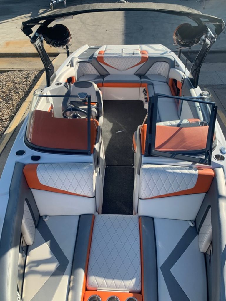 2015 Tige boat for sale, model of the boat is RZ4 & Image # 14 of 20