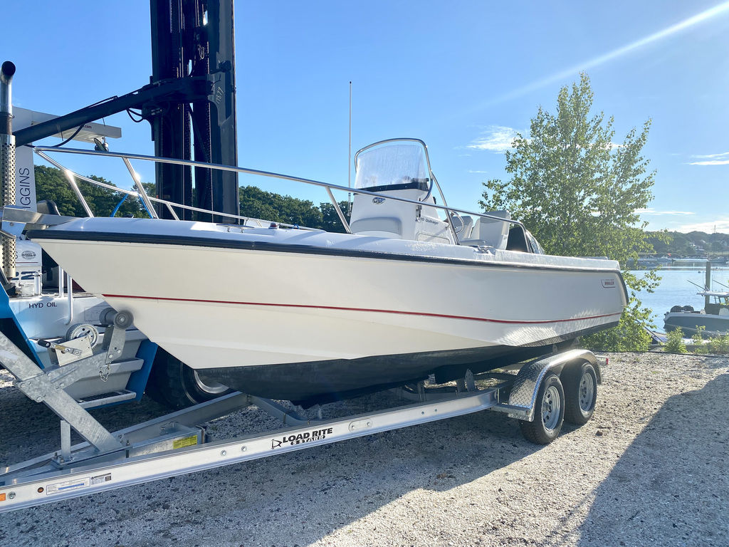 2004 Boston Whaler boat for sale, model of the boat is 210 Outrage & Image # 2 of 7