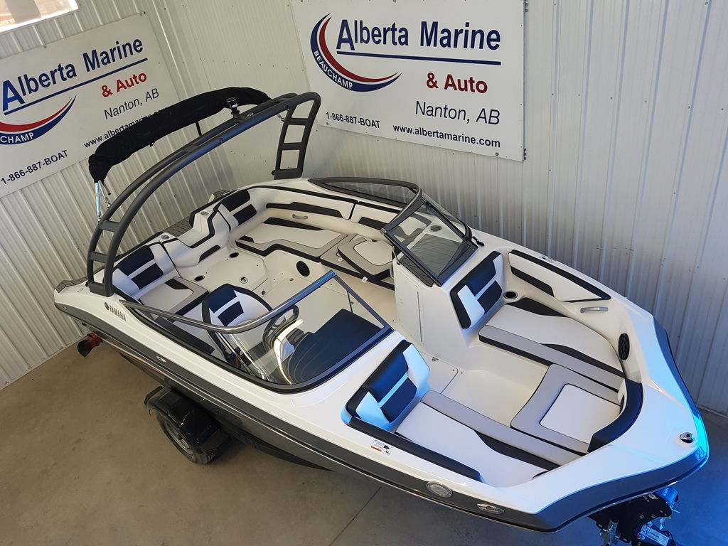 2019 Yamaha boat for sale, model of the boat is AR195 & Image # 2 of 8