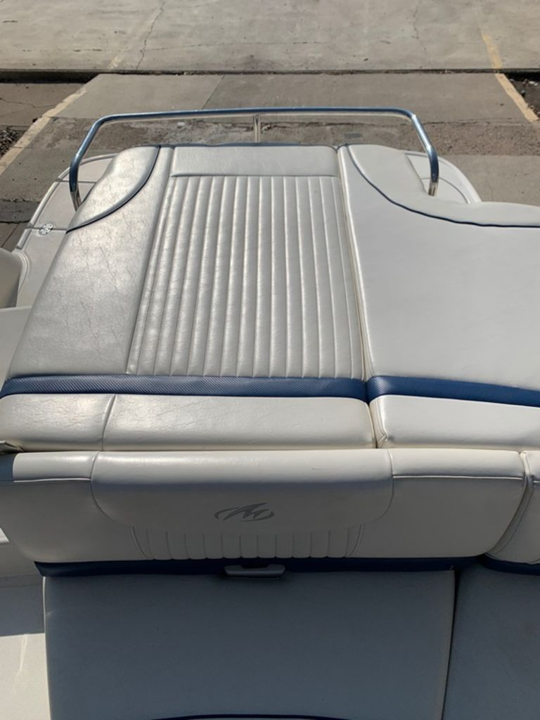 2007 Monterey boat for sale, model of the boat is 234 FS & Image # 9 of 14
