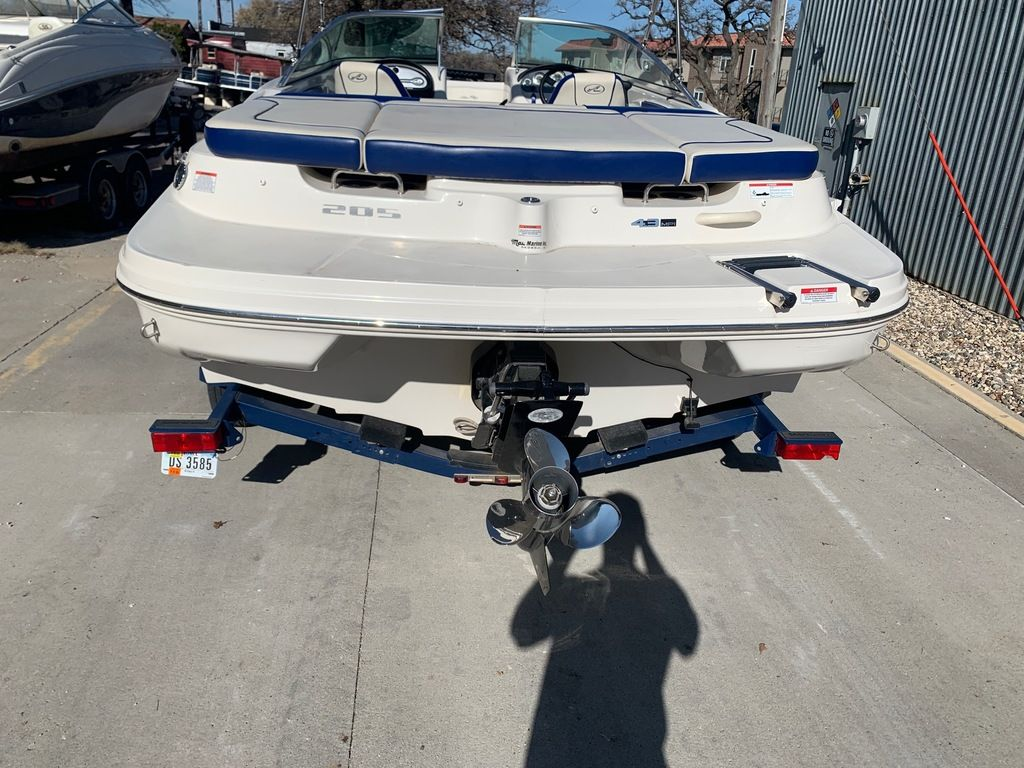 2010 Sea Ray boat for sale, model of the boat is 205 Sport & Image # 5 of 11