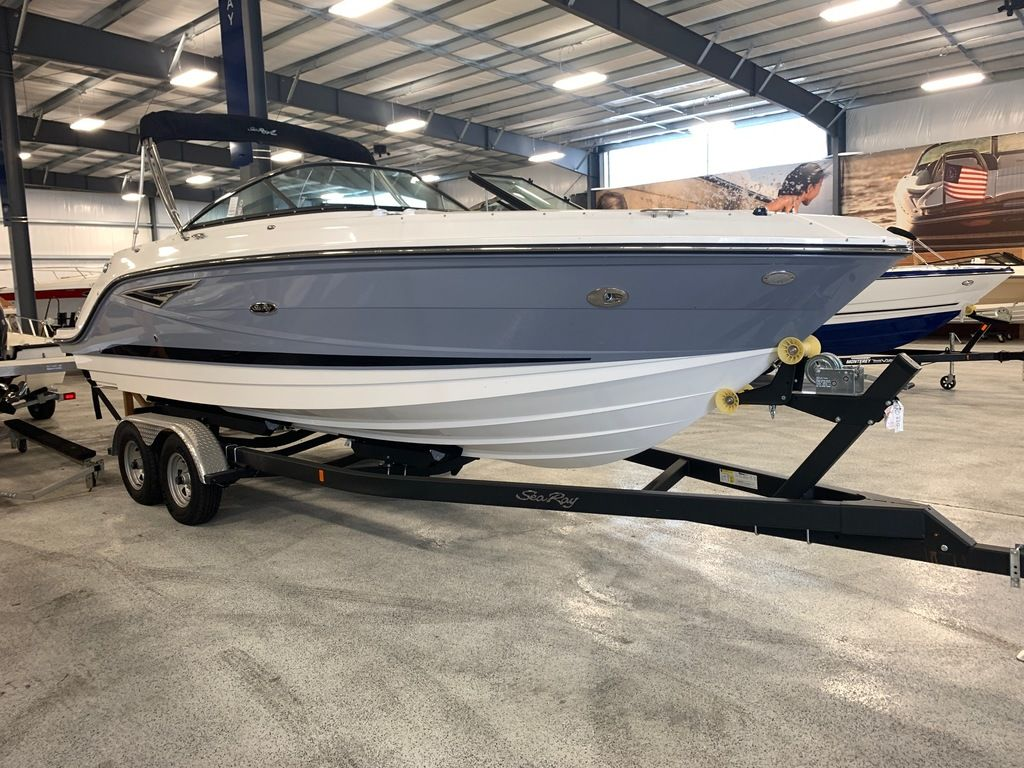 2020 Sea Ray boat for sale, model of the boat is SLX 250 & Image # 2 of 10