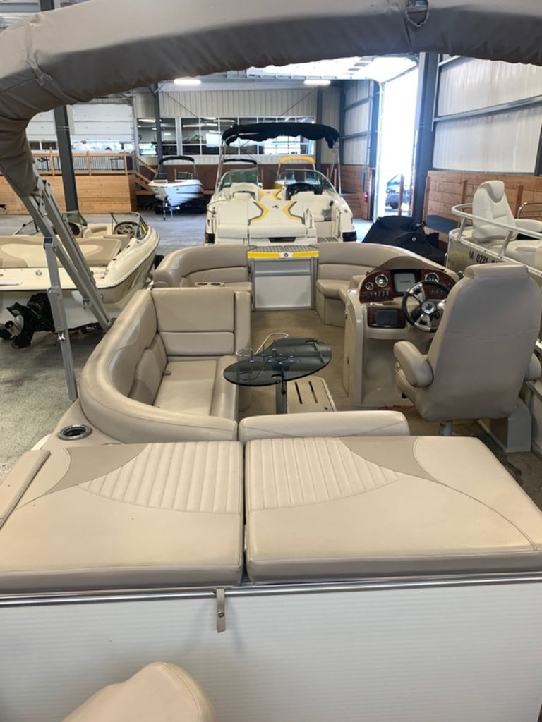 2015 Avalon boat for sale, model of the boat is Windjammer Fish 25' Rear & Image # 7 of 8