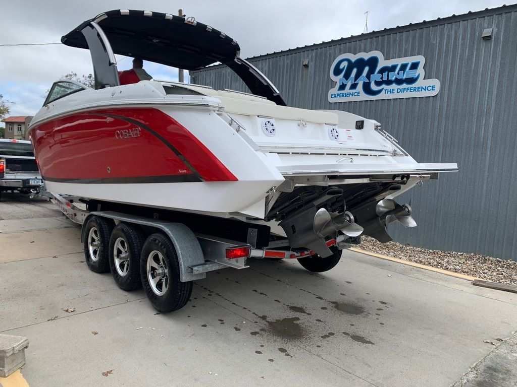 2017 Cobalt boat for sale, model of the boat is R30 & Image # 2 of 16